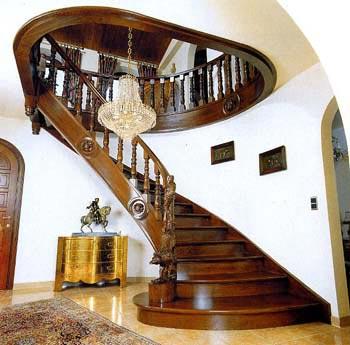 Поворотная маршевая лестница